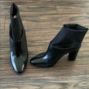 Brand new Via Spiga brand black booties